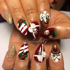 Rudolph the Red Nose Reindeer Mini Christmas Almond Nails @nailsyulieg