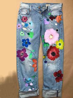 Items similar to Blots jeans Spray paint Paint Splatter Jeans festival clothing Hand Painted Paint splash painted clothes Jeans in paint jeans in flowers on Etsy Painted Jeans, Painted Clothes, Hand Painted, Lässigen Jeans, Denim Pants, Blue Pants, Diy Jeans, Loose Jeans, Diy Clothes Jeans
