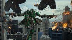 Transformers 4: Ära des Untergangs. Regie Michael Bay, mit Mark Wahlberg, John Goodman und Stanley Tucci. Trailer und Review auf http://www.coolibri.de/redaktion/film/0714/transformers-4-aera-des-untergangs.html