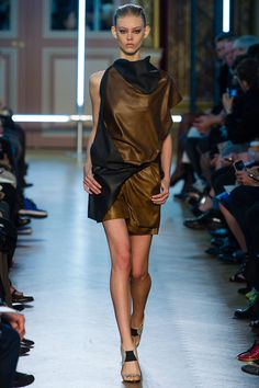 SPRING 2013 READY-TO-WEAR  Roland Mouret