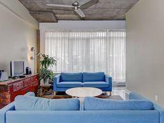 LE SOPRA : condo de style ''loft'' avec finitions haut de gamme au coeur de la Petite Italie - 349 000 $ Style Loft, Condo, Curtains, Home Decor, Lineup, Real Estate, Italy, Top, Insulated Curtains