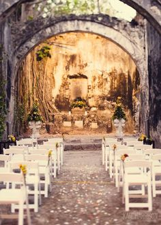 10 Incredibly Unique Wedding Ceremony Ideas: Dramatic Architecture. Photo by Kate Harrison