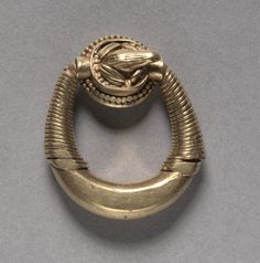Finger Ring with Frog, c. 1353-1337 BC Egypt, New Kingdom, Dynasty 18, reign of Akhenaten gold. Cleveland Museum of Art