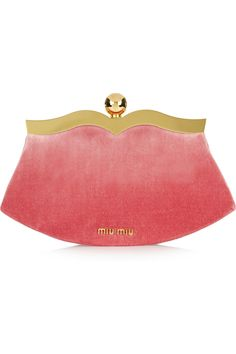retro cute - perfect pop of pink for going out Miu Miu Velvet clutch Miu Miu Clutch, Clutch Bag, Pink Clutch, My Bags, Purses And Bags, Mode Rose, How To Wear Leggings, Athleisure Fashion, Summer Bags