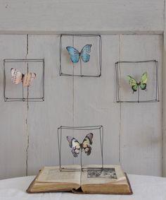 Un preferito personale dal mio negozio Etsy https://www.etsy.com/listing/229845446/quadretto-in-fil-di-ferro-con-farfalla