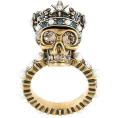 Alexander McQueen 'King Skull' ring ($395) ❤ liked on Polyvore featuring jewelry, rings, metallic, skull ring, pearl jewelry, pearl jewellery, pearl ring and alexander mcqueen ring