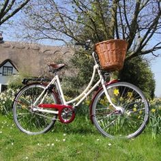 PASHLEY BIKES    Shall I compare thee to a summers day?   Thou art more lovely and more temperate.... The Sonnet ladies cycles have the same striking features as the much loved and admired Pashley Princess but come with an Ivory-coloured frame and a choice of Claret or Midnight Blue highlights to brighten up your day. The BLISS model features the luxury of five gears, dynamo lighting and a frame fitting lock, making it the perfect bicycle for those longer journeys.