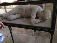 Death cast in Pompei