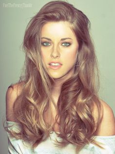 Her hair looks so pretty like this! Same facial expression I see... Ha.