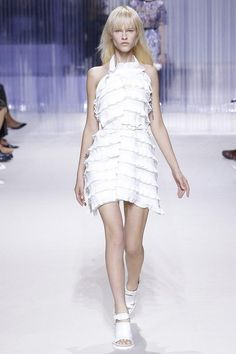 100 beautiful wedding dresses from the Spring 2016 runways