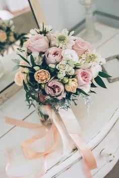 romantic wedding bouquet - mariage en provence - planning and design: Cigales et Petits Fours