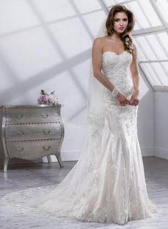 0c75702f9822 Sottero Midgley Paula - nežná a krásna. Tieto svadobné šaty zo zdobenej  vyšívanej čipky sú zvýrazné