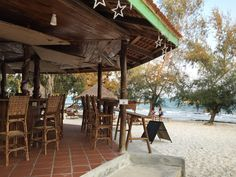 A #bar founded at Nature Beach Resort, Kohrong Island, Cambodia. The only place that you can find #foods in the #island. Very nice at night with music and fire camp. Check out this place if you wanna escape the city to a quiet place for relaxing and #beer