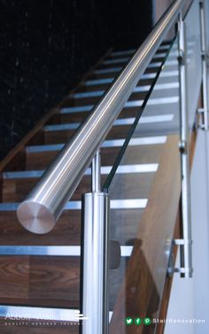 Modern Staircase Design Ideas - Browse pictures of modern staircases as well as uncover design and design ideas to influence your own modern staircase remodel, consisting of unique barriers as well as storage . Steel Railing Design, Staircase Railing Design, Interior Stair Railing, Modern Stair Railing, Balcony Railing Design, Modern Stairs, Staircase Ideas, Glass Stairs Design, Stainless Steel Stair Railing