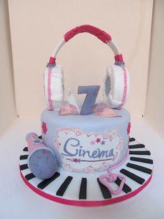 #Torta di #Violetta con #cuffie e #microfono in #pasta di #zucchero ( #pdz )
