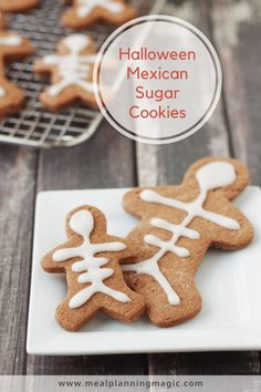These Halloween Mexican Chocolate Cookies have a delicious hint of spice from cinnamon and chili powder. Yes! Chili power. With a no-chill dough and simple decorating means they're quick and easy to make, too. #halloweenfood #halloween #easyrecipe #nochillsugarcookie #mexicanchocolate #easycookierecipe Mexican Chocolate, Like Chocolate, Chocolate Dipped, Chocolate Lovers, Chocolate Sugar Cookies, Chocolate Brownies, Peanut Butter Cookies, Easy Cookie Recipes, Snack Recipes
