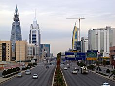 Riyadh city, like most cities, prettier at night