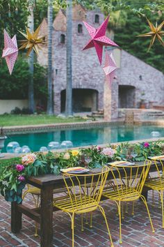 dreamy poolside reception, photo by Two Foxes Photography, styling by E Events Co http://ruffledblog.com/tropical-july-4th-styled-wedding