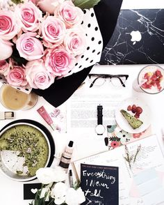 """""""slow sundays with a good read, fresh blooms and daily documentation ✨"""""""
