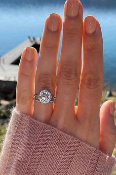 Can't find the right engagement ring? Look at the collection of the most popular engagement rings for women in Most Popular Engagement Rings, Classic Engagement Rings, Three Stone Engagement Rings, Designer Engagement Rings, Wedding Sets, Wedding Rings, Or Rose, Fiancee, Inspire