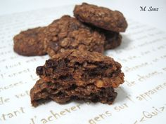 Galletas de avena, pasas y chocolate /Oatmeal, raisins and chocolate cookies