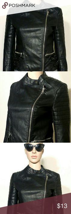 Forever 21 Womens Black Side Zip Leather Jacket Size S SMALL In Very good condition!! Very adorable!! A great gift!! Fast shipping!! Forever 21 Jackets & Coats