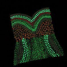 iLoveToCreate Blog: MAYA IN THE MOMENT TEEN CRAFT: Glowing Corset Halloween Top