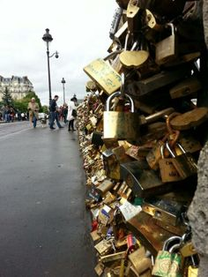 Where is the cache on lovers bridge in Paris? #geocaching