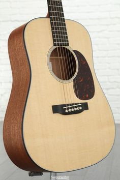 a6aa2b1dec53e 6-string Acoustic Guitar with Solid Sitka Spruce Top