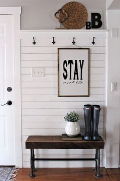DIY projects, Home Décor, Farmhouse style and a little about life Interior Decorating Tips, Farmhouse, Entryway, Home Decor, Entrance, Homemade Home Decor, Appetizer, Interior Design, Decoration Home