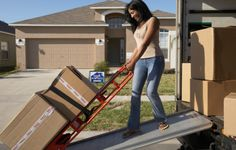 There are lot of things that must be known to you especially when you are moving for the first time. If you want to move without any tension then you must know a good moving company.