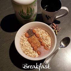 🍲ce matin dans mon assiette 🥄fromage blanc 0 % 🥄flocons d'avoine 🥄graines de chia & de lin 🥄lait de soja 🥄purée de fruits rouges 🥄amandes 🥄cannelle 🥄Aloel* 🥄café 🥄capsules premium* 😀😀😀 . 📍Et vous, ce matin dans votre assiette❓ . Bon petit dej à toutes et tous😘😘😘 . ➖ ➖ ➖ ➖ ➖ ➖ ➖ ➖ ➖ ➖ ➖ *plus d'infos sur mon blog 👉 lien dans ma bio . ➖ ➖ ➖ ➖ ➖ ➖ ➖ ➖ ➖ ➖ ➖ @https://www.facebook.com/julyfithbc/ 🔹MON BLOG : www.july-fit-hbc.com