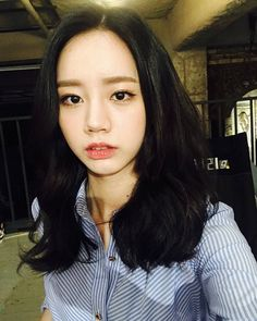 9 Korean celeb-inspired haircuts and colours to get before Chinese . Hair Color Asian, Asian Hair, Hair Color For Black Hair, Girl's Day Hyeri, Lee Hyeri, Girl Day, My Girl, Blonde Gif, Long Haired Chihuahua
