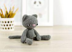Free crochet pattern: Small long-legged cat // Kristi Tullus (spire.ee)