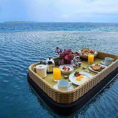 A floating breakfast in your very own private pool to start your Friday now that's how you start your day! #visitm https://t.co/gyIpZgJF7n (via Twitter http://twitter.com/maldivesinpics/status/708335883544612865) - http://ift.tt/1HQJd81