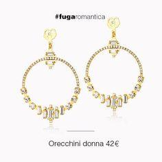 Orecchini in metallo con bagno in oro giallo e cristalli bianchi Luca Barra Gioielli. #orecchini #gioiellidonna #newcollection #lucabarra #fugaromantica #fashionblogger #thestylefever
