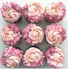 These pink rose cupcakes are so pretty! – Erin Aschow These pink rose cupcakes are so pretty! These pink rose cupcakes are so pretty! Frost Cupcakes, Cupcakes Flores, Flower Cupcakes, Cute Cupcakes, Baking Cupcakes, Pink Cupcakes, Valentine Cupcakes, Mothers Day Cupcakes, Elegant Cupcakes