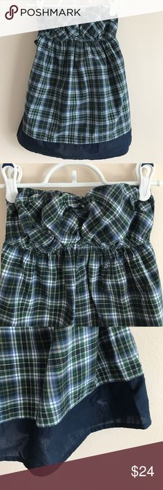 Abercrombie & Fitch navy plaid tube top Abercrombie & Fitch navy plaid tube top w/elastic stretch across top, Sean down middle of bust for ruched effect, lower back w/tie across upper back - perfect condition never worn Abercrombie & Fitch Tops Tank Tops