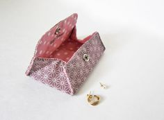 Origami Envelope Pouch. Jewerly case, businees card holder, stitch marker case, tatting shattle case... First made and sold in  2009.  Japanese Sashiko pattern fabric.
