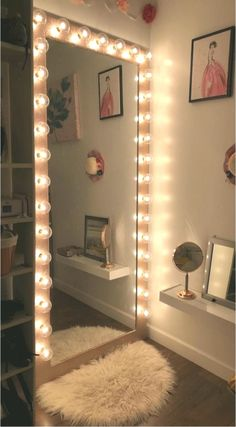 17 Cute And Girly Bedroom Decorating Tips For Girl &; 17 Cute And Girly Bedroom Decorating Tips For Girl &; Debora deboraschle Home 17 Cute And Girly Bedroom Decorating Tips […] room decor girly Cute Room Decor, Teen Room Decor, Room Ideas Bedroom, Girly Bedroom Decor, Cozy Bedroom, Bedroom Wall, Dorms Decor, Bedroom Themes, Bedroom Apartment