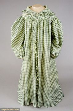 GREEN & WHITE GINGHAM DRESSING GOWN, 1825-1830. From the Tasha Tudor Historic Costume Collection. Something similar for Betsy.