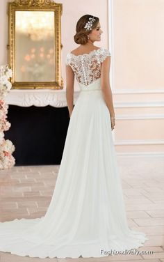 Wedding Dresses 2018 Amazing Wedding Dresses Collections … – New Ideas – The Best Ideas Boho Wedding Gown, Lace Bridal Robe, Sheath Wedding Gown, Bridal Gowns, Mermaid Wedding, Wedding Dresses 2018, Designer Wedding Dresses, Moonlight Couture, Girls First Communion Dresses