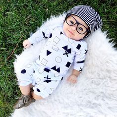 07.13.15 || My little baby hipster  || Fifteen weeks  Slouchy Beanie : @littlesunshinebaby hisster Baby Glasses : @mustachifier Monochrome Romper : @miniandmaximus Baby moccs : @sweetnswag