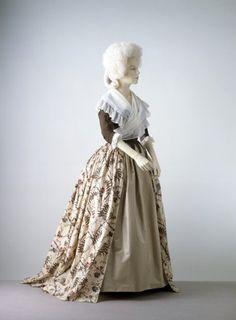 Dress    1780s    The Victoria & Albert Museum