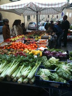 Saturday market - Cortona, Italy