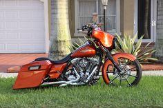 Harley Davidson Street Glide, Harley Davidson Motorcycles, Custom Motorcycles, Custom Bikes, Bagger Motorcycle, Custom Photo, Baggers, Sidewalk, Trucks