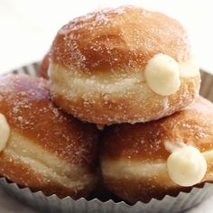 baking recipes Homemade Brioche Doughnuts filled with rich Vanilla Cream. Recipe for the most delicious yeasted doughnuts that are fried and can easily become your next favorite sweet treat. Köstliche Desserts, Best Dessert Recipes, Sweet Recipes, Snack Recipes, Quick Dessert, Breakfast Dessert, Baked Donut Recipes, Baked Donuts, Perfect Breakfast