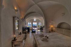 UP LIGHT Santorini - Atrina Traditional Houses in Oia