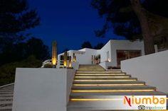 Porque en #Ibiza todo tiene un plus, como este chalet de diseño en Sant Josep de Sa Talaia para tu #Nochevieja más elegante - Blog para viajeros | 6 villas de lujo para celebrar una Nochevieja de anuncio Freixenet | http://blog.niumba.com