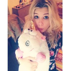 Marie et sa licorne Enjoy Phoenix, Photos Des Stars, Top Les, Youtubers, Marie, Holiday Decor, Pictures, Animals, Instagram